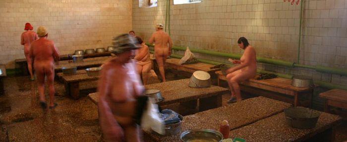 фото и видео женщины в общественных банях