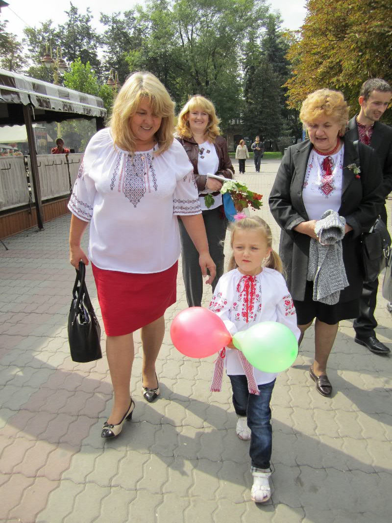 Леся Геник: Свято вишиванки в м. Івано-Франківську